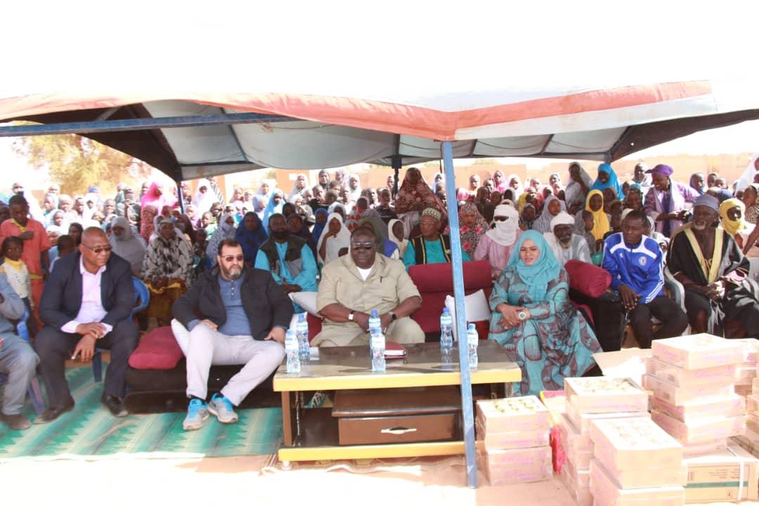 Fournitures scolaires aux élèves d'une école périphérique de Niamey