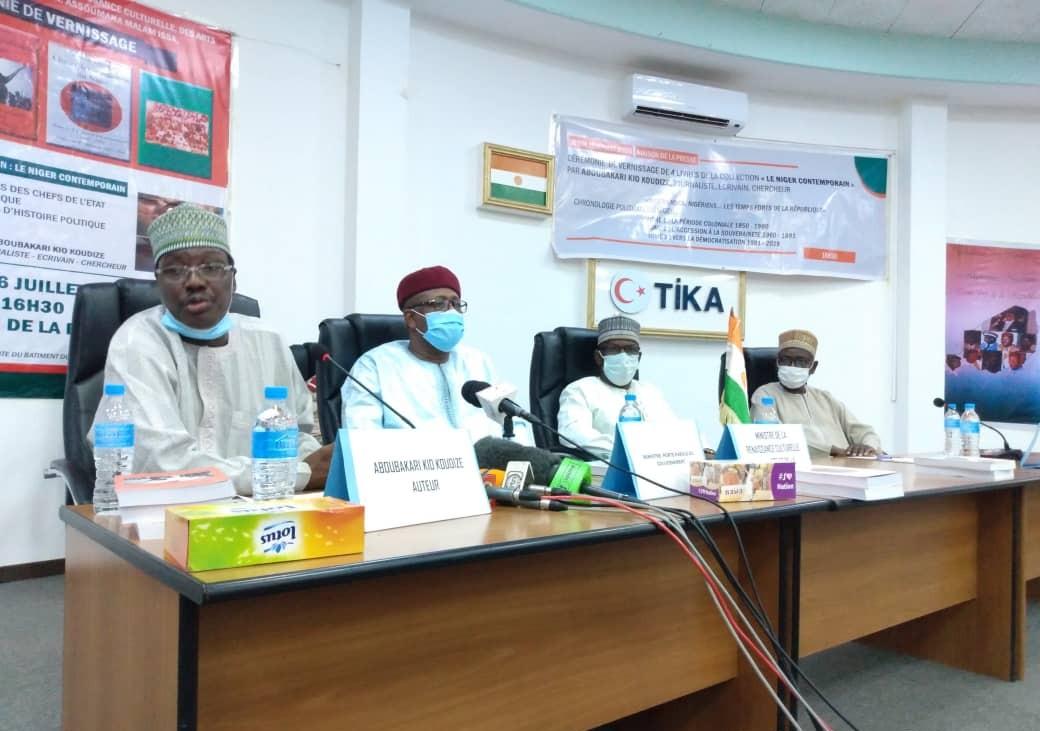 « Le Niger Contemporain » de Aboubakari Kio Koudizé, ou l'histoire du Niger en «vrai» !