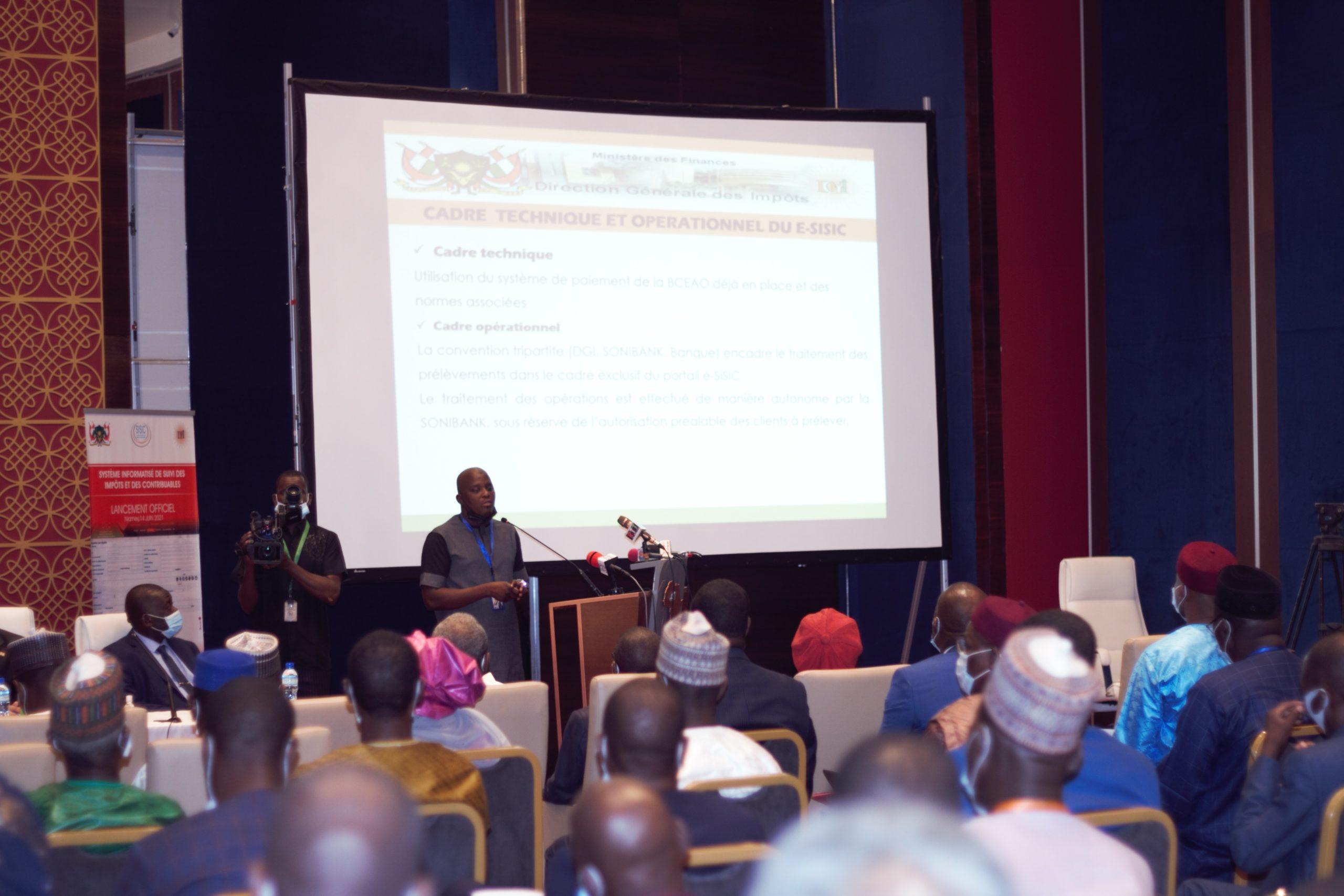 Cérémonie officielle de lancement de la plateforme e-SISIC
