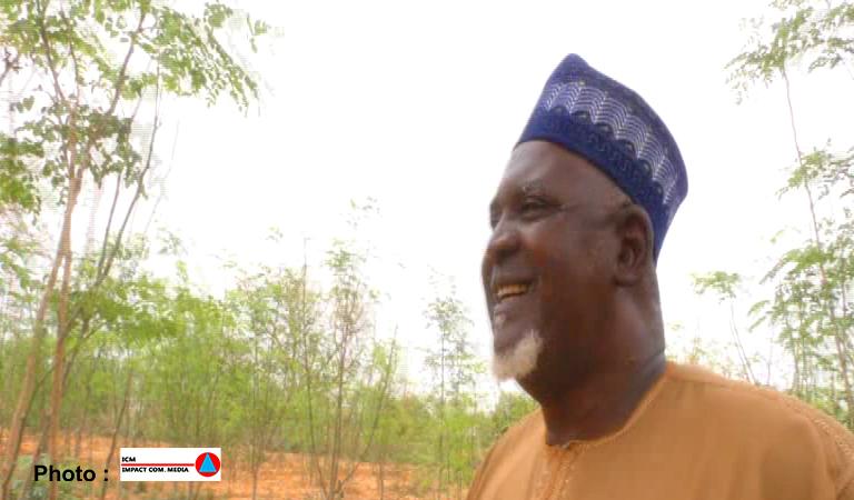 Passer de l'arme à la houe, Elh Oumarou s'est illustré parmi les grands producteurs agricoles nationaux.