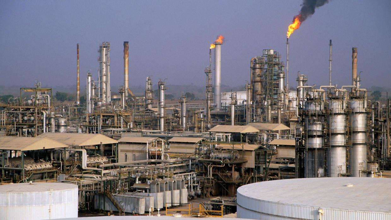 Nigeria: confronté au défi de la pandémie de COVID-19 et de l'effondrement du prix du pétrole brut
